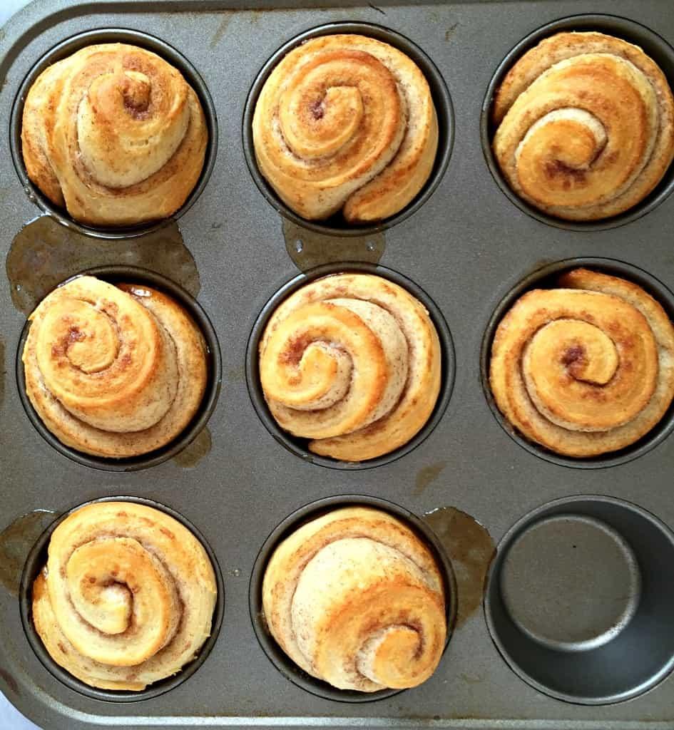 bacon-pecan-caramel-rolls-1