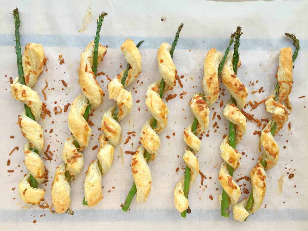 parmesan-puff-pastry-wrapped-asparagus-3