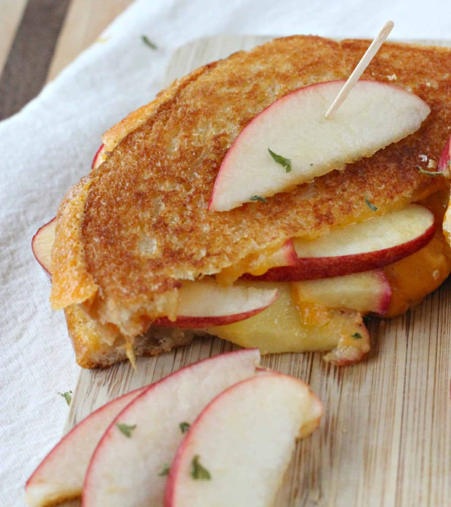 Apple-Stuffed-Cheddar-Grilled-Cheese-7