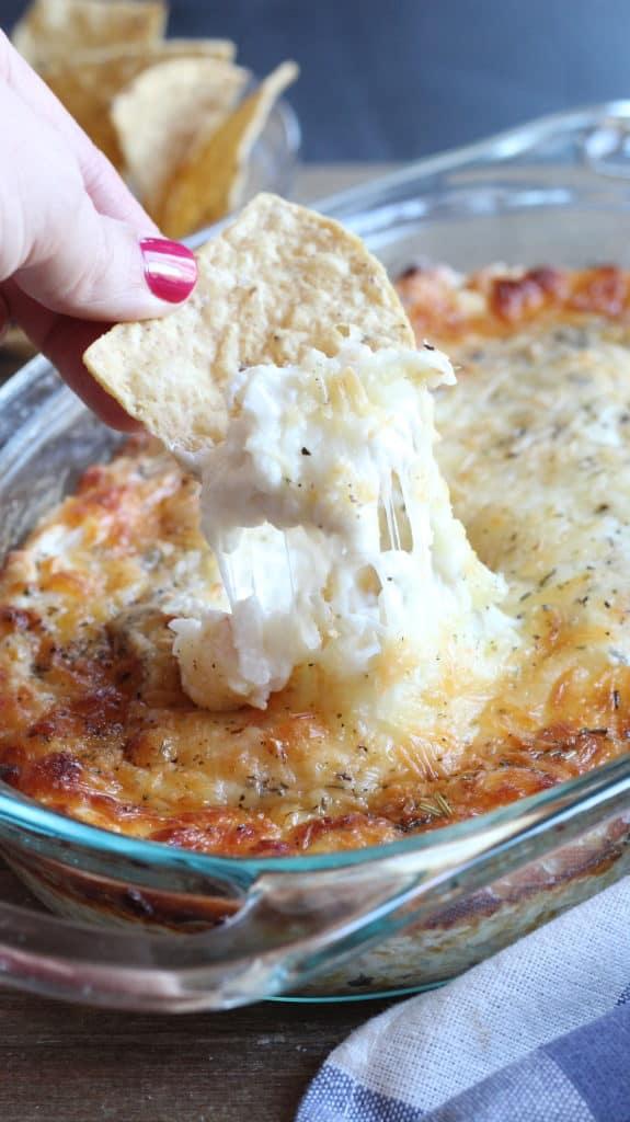 cheesy crab rangoon dip