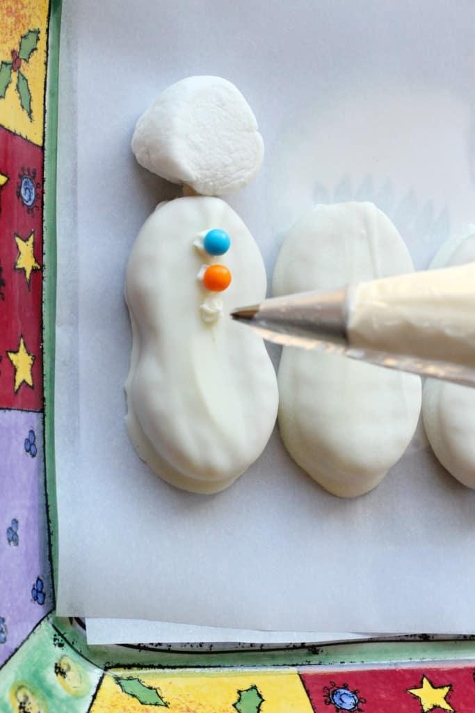 Nutter-Butter-Snowman-Cookies-5