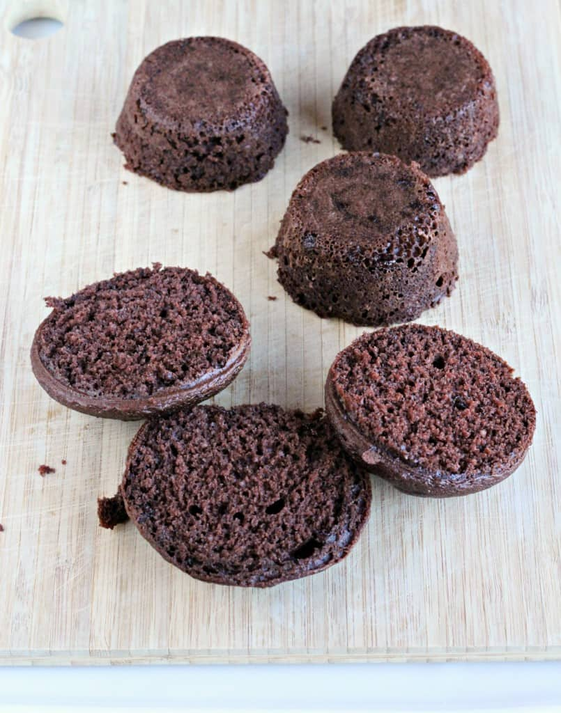 Decadent-Chocolate-Chunk-Mini-Cakes-3
