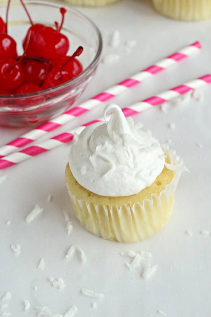 Pina-Colada-Cupcakes-2