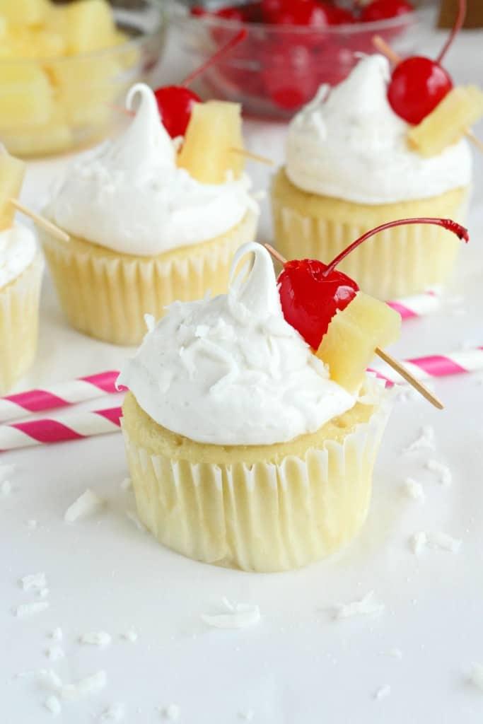 Pina-Colada-Cupcakes-5