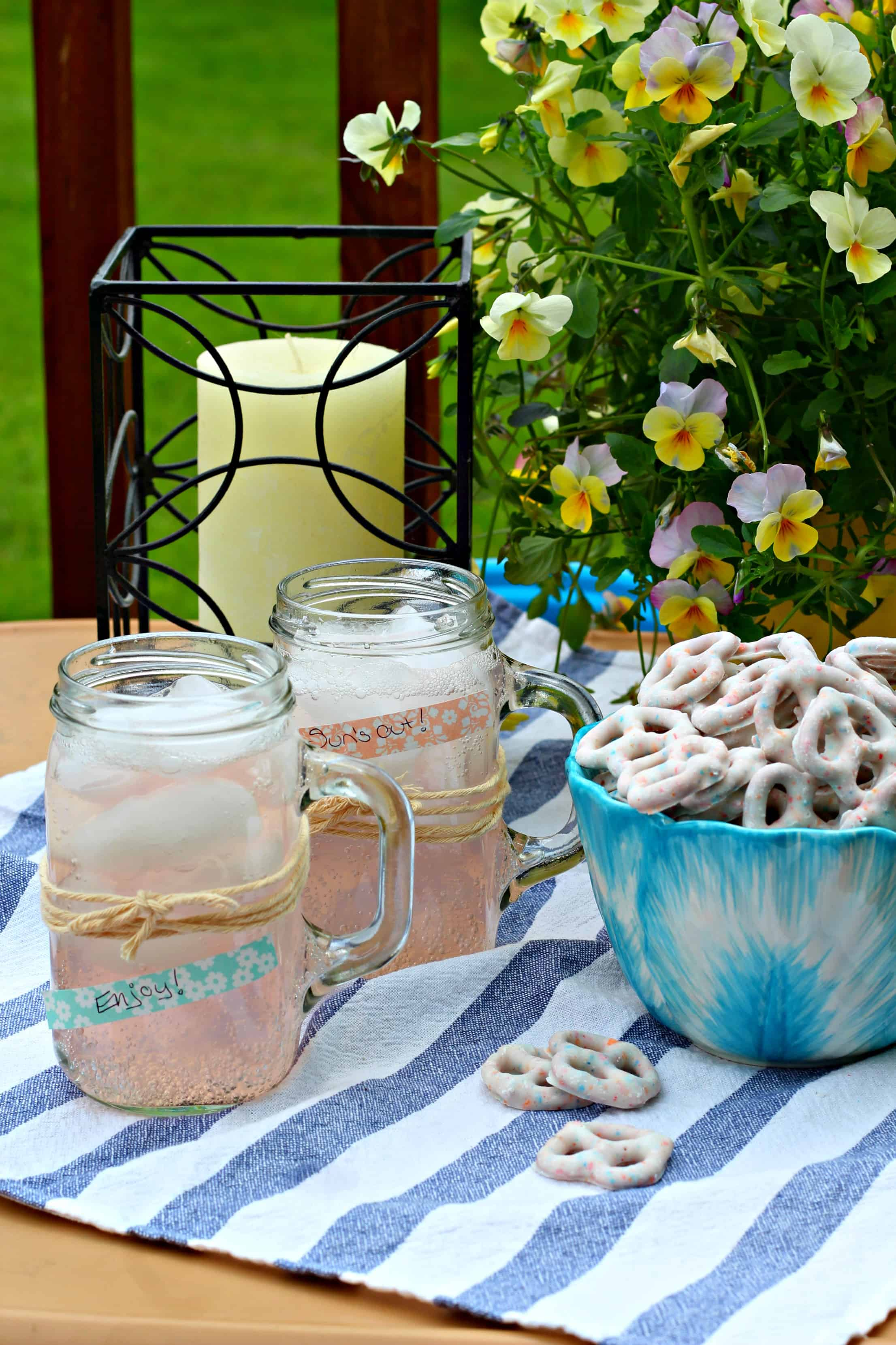 Entertaining Tips Beauteous Easy Outdoor Entertaining Tips With Flipz®  Life A Little Brighter Design Ideas