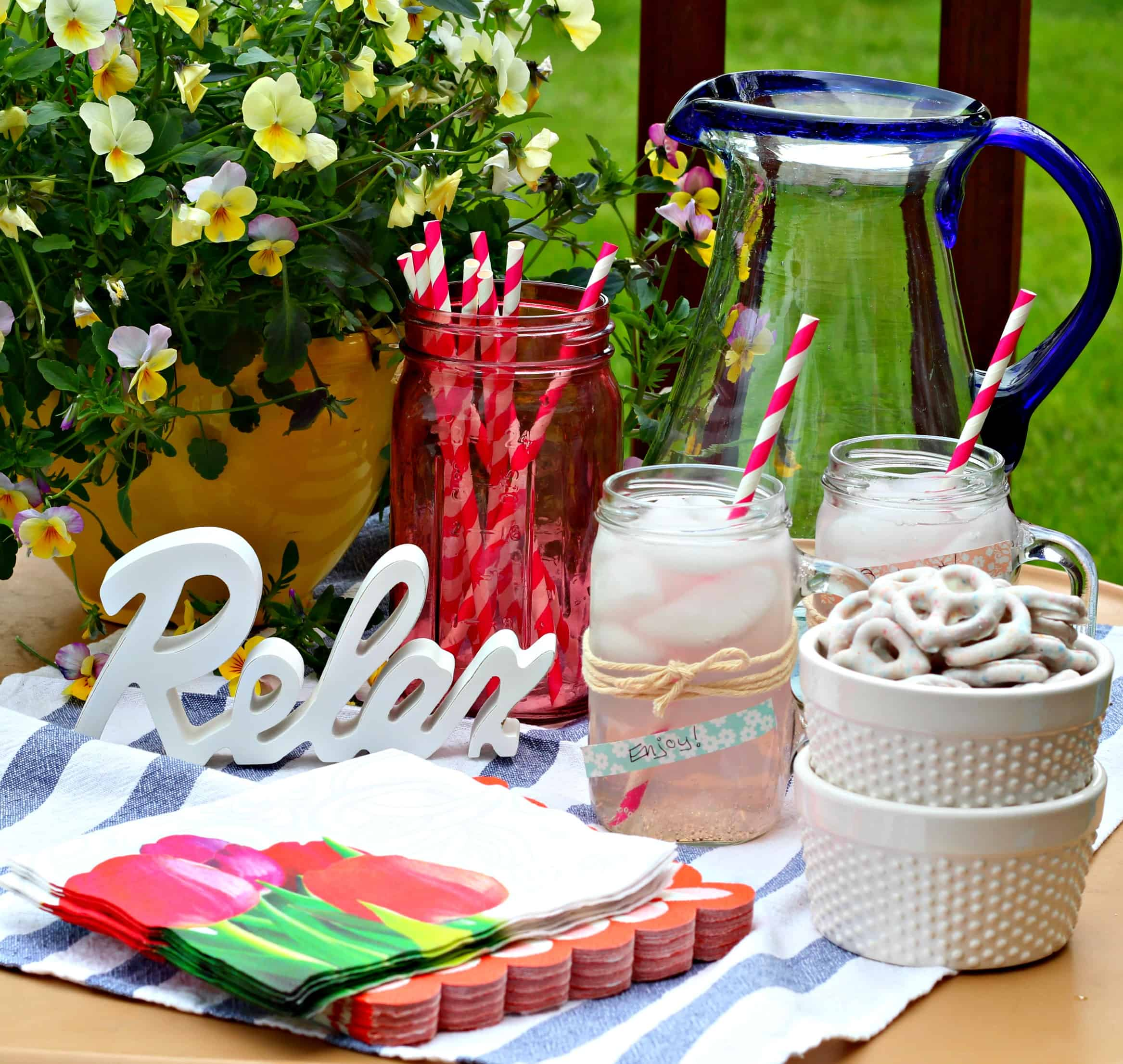 Entertaining Tips Amazing Easy Outdoor Entertaining Tips With Flipz®  Life A Little Brighter Design Inspiration