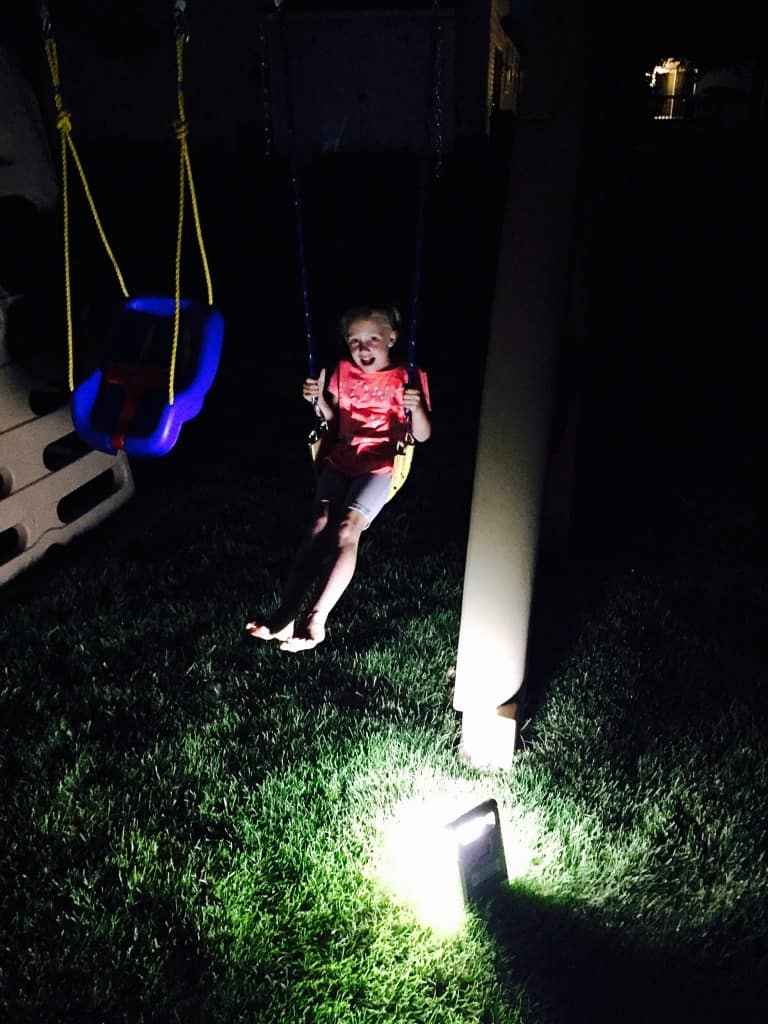 Outdoor-Nighttime-Family-Activities-7
