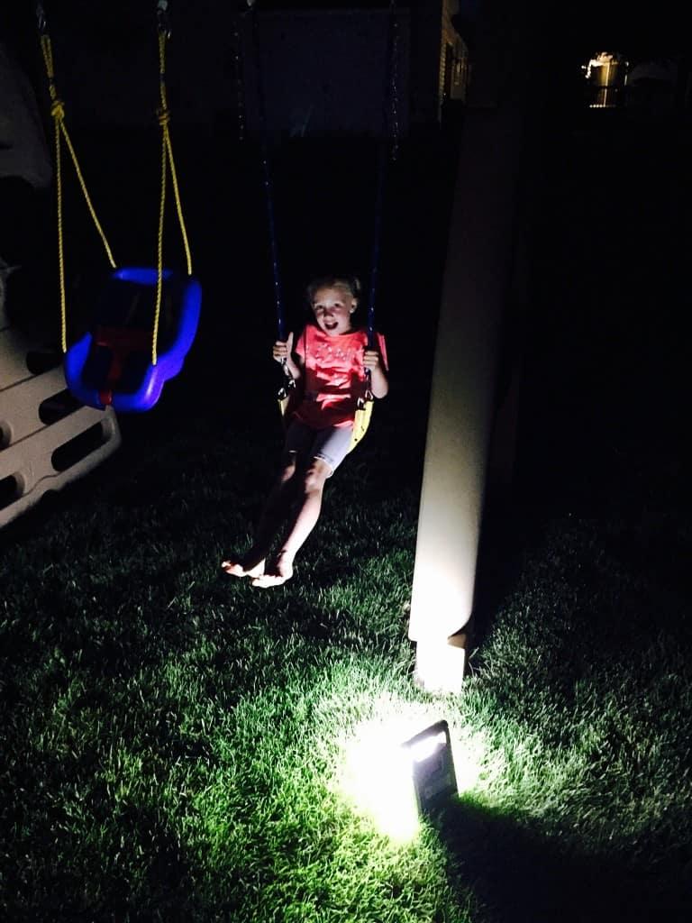 Outdoor-Nighttime-Family-Activities-7