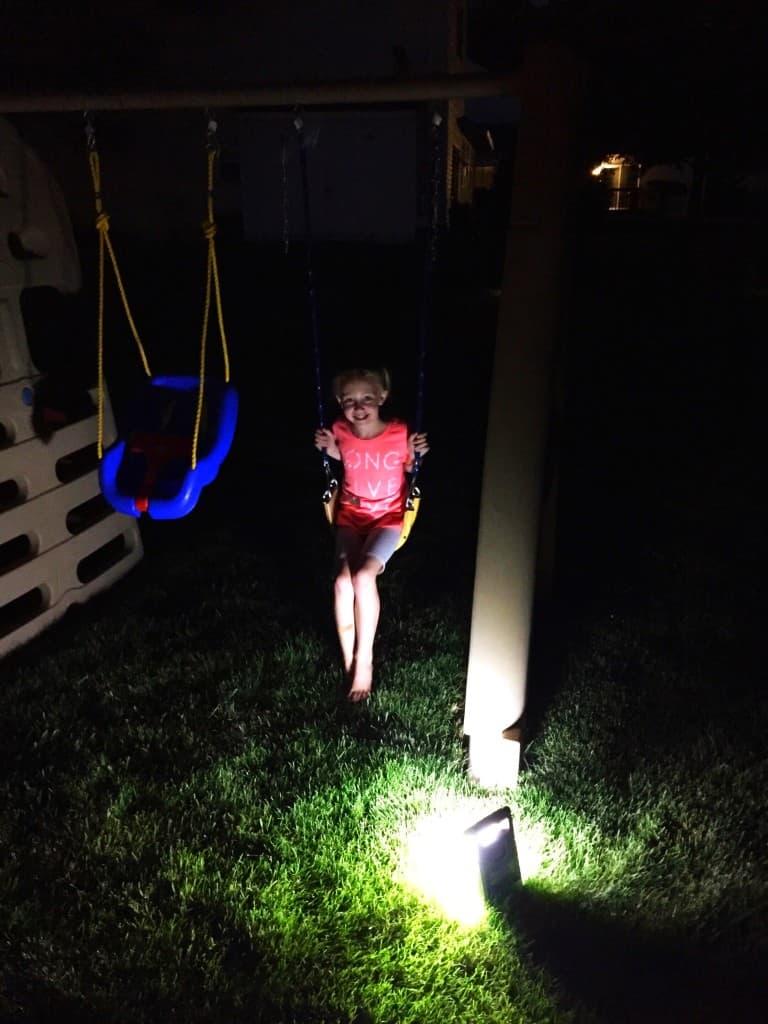 Outdoor-Nighttime-Family-Activities-8