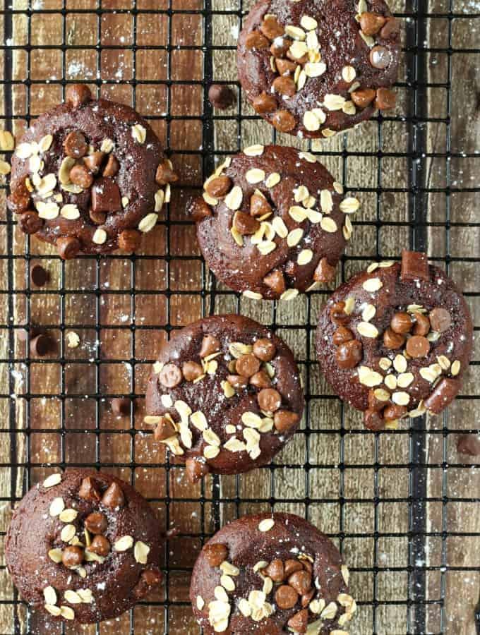 Peanut-Butter-Chocolate-Chip-Oat-Muffins-6