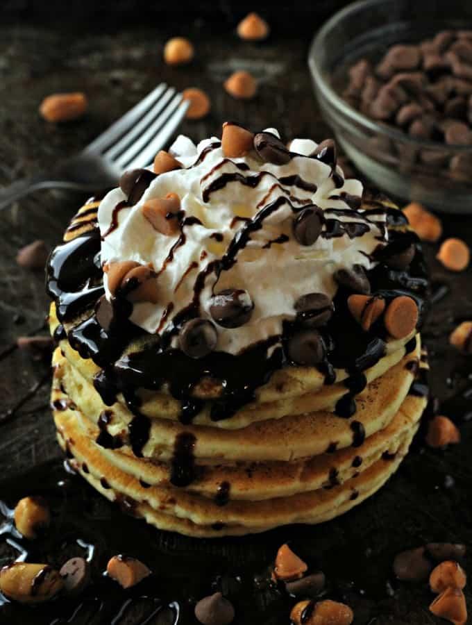 peanut-butter-chocolate-chip-pancakes-5