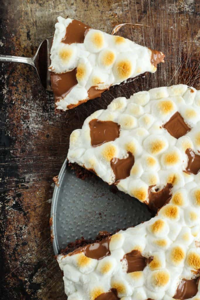 Smores Brownie Pizza