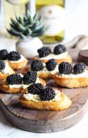 Blackberry + Whipped Goat Cheese Crostini {Effortless Entertaining}
