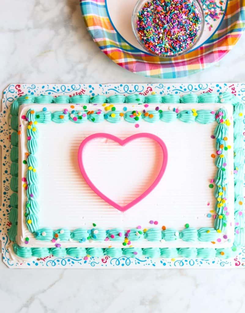 easy stencil cake design