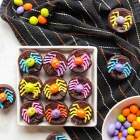 Decorating Halloween Brownies