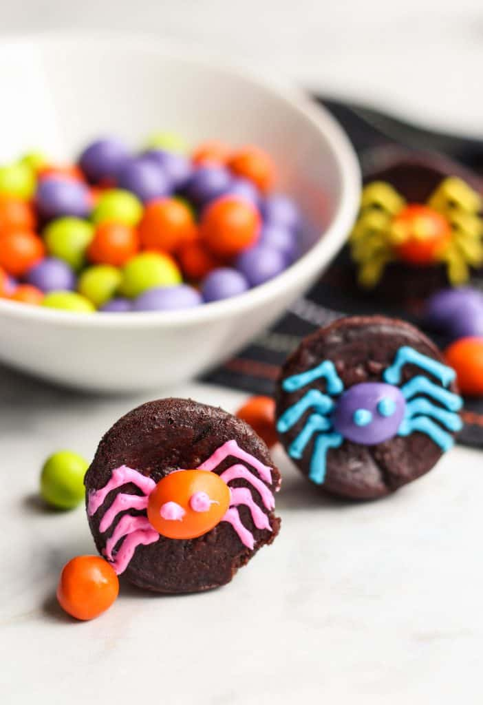 brownies with frosting spiders