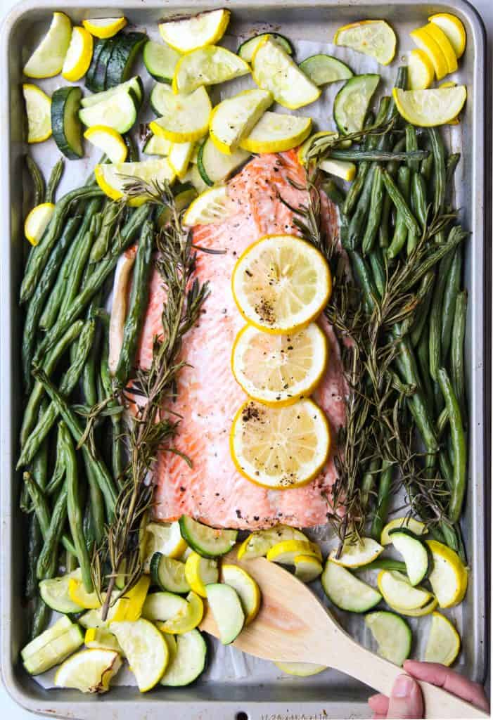 sheet pan salmon with zucchini and lemon