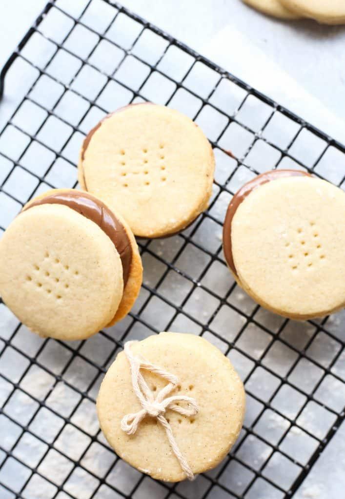 vanilla shortbread cookie