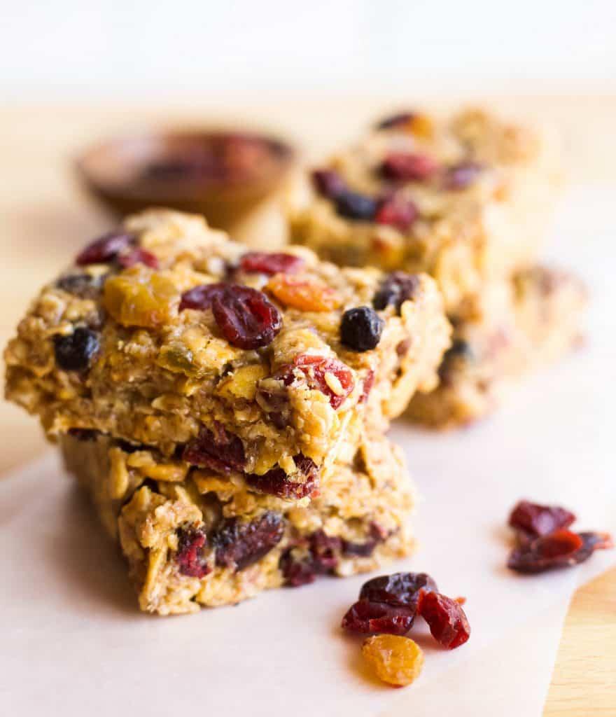 mixed berry granola bars